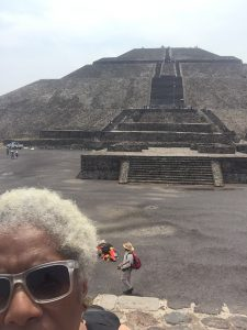 pic of me and Teotihuacán pyramid light on reiki bk